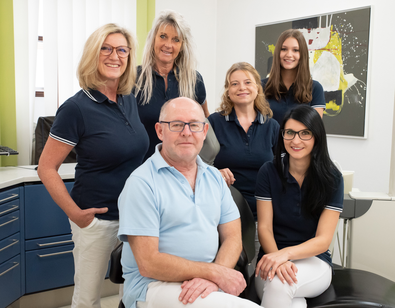Foto vom Praxisteam, Zahnarzt Dr. Robert Krämer in Edling bei Wasserburg am Inn